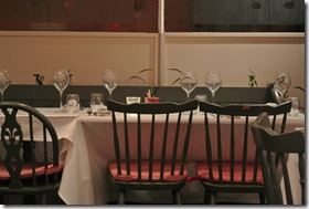 Main's, Yoxford, 3 - tables set